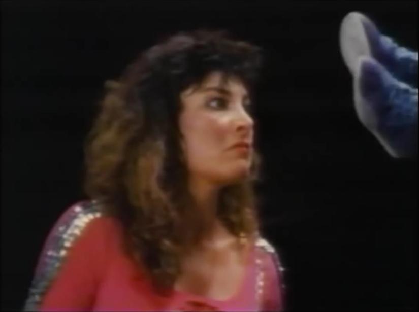 American Angels - Mimi vs Lisa8